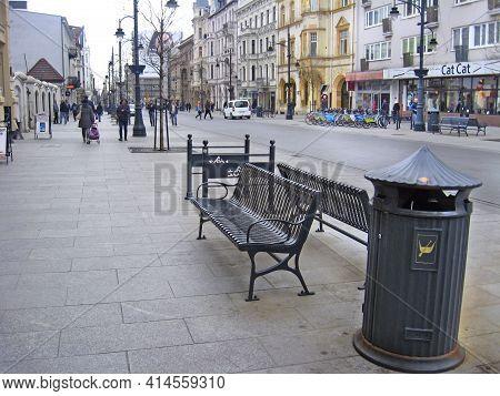 Lodz - Poland. 18 April 2019: View Of Street Pavement In Lodz. Urban Architecture. City Life In Lodz