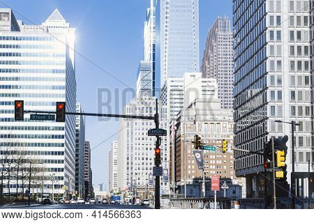 Philadelphia, Pa - March 26 2021: Street View Of Downtown Philadelphia. Cars On The Street And Build