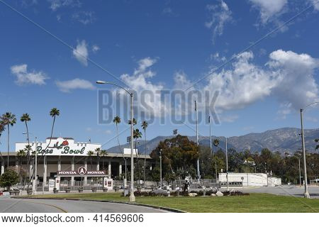 PASADENA, CALIFORNIA - 26 MAR 2021: The Rose Bowl football stadium in Southern California, with mountains in the background.