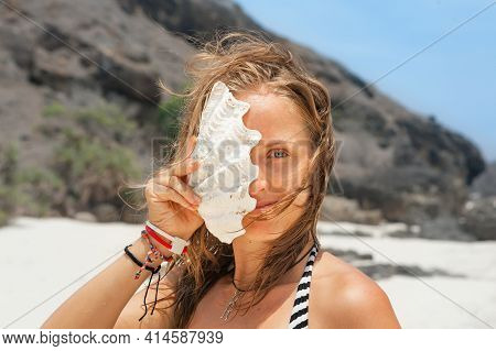 Happy Family Have Fun On Tropical Sea Beach Resort. Funny Portrait Of Young Woman With Sea Shell. Ac