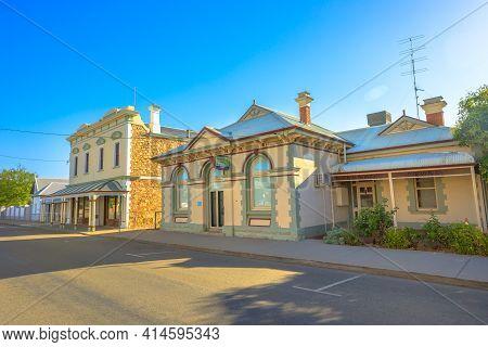 York, Australia - Dec 25, 2017: The Heartlands Veterinary Hospital On Avon Terrace, York, A Popular