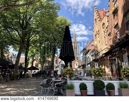 Brugges, Belgium - May 27, 2019: City Center Of Brugges, Old Town, With Classic Architecture On A Su