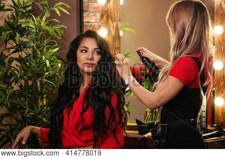 Woman With Long Brunette Curls. Hairstyle And Hairdressing Tutorial Channel. Open Workshop Hairdo. R