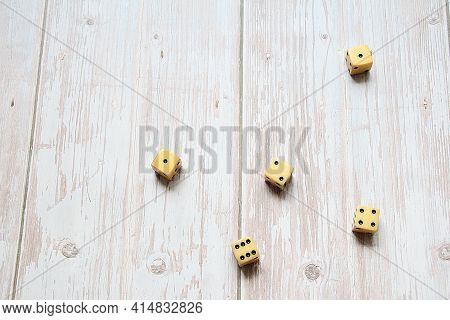 Dice, Old Dice Scattered On The Table Top, Ivory Dice, Retro Dice, Items For Games And Activities