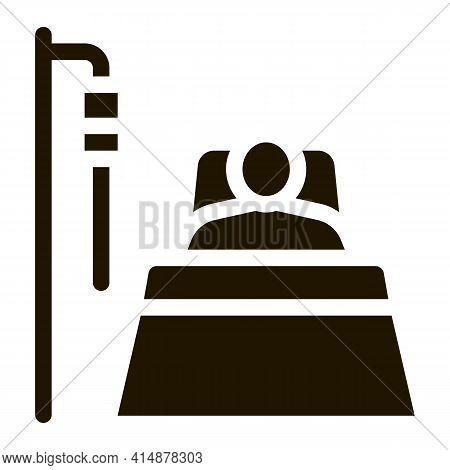 Patient In Resuscitation Glyph Icon Vector. Patient In Resuscitation Sign. Isolated Symbol Illustrat