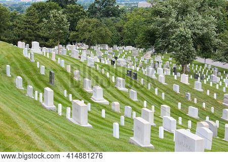 Washington Dc, Usa - June 13, 2013: Arlington National Cemetery In Washington Dc. Arlington National