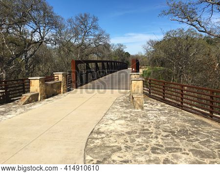 Bridge on Brush Creek Trail, Round Rock, Texas. Trail offers a corridor linking neighborhoods, shopping areas, and workplaces in the northern suburbs of Austin