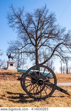 Gettysburg, Pennsylvania, Usa March 14, 2021 The Monument Of Major General Henry Slocum With A Canno