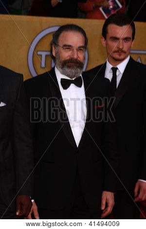LOS ANGELES - JAN 27:  Mandy Patinkin arrives at the 2013 Screen Actor's Guild Awards at the Shrine Auditorium on January 27, 2013 in Los Angeles, CA