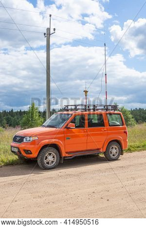 Russia - August 18, 2020. Tver Region, Russia. The Survey Car Is Parked On The Side Of The Road. Geo