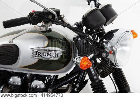 Bordeaux , Aquitaine France - 03 25 2021 : Triumph Bonneville T100 Tank Fuel Detail Green Grey Motor