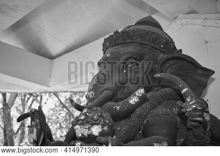 Phayao, Thailand - Dec 13, 2020: Black And White Zoom View Front Left Ganesha Statue And Incense Bur