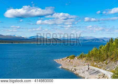 Tjaktjajavrre, Lake In Sweidish Lapland On A Beautiful Day Of Arctic Summer. Mountains Of Sarek Nati