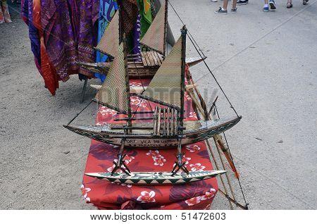 Outrigger/canoe.