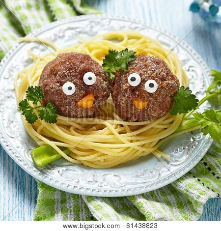 Spaghetti with meatballs for kids