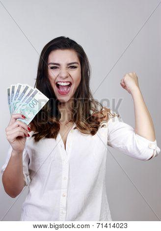 brunette woman winner, money brazilian