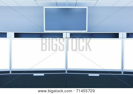 Teleconference And Telepresence Screen Display