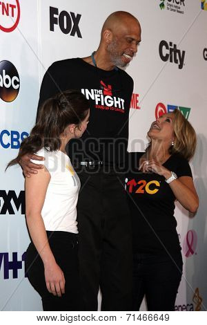 LOS ANGELES - SEP 5:  Hailee Steinfeld, Kareem Abdul-Jabbar, Katie Couric at the Stand Up 2 Cancer Telecast Arrivals at Dolby Theater on September 5, 2014 in Los Angeles, CA