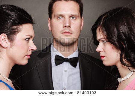 Relations Between Men And Women - Triangle.