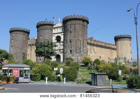 Castel Dell'ovo (egg Castle)
