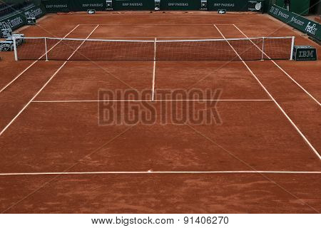 Clay court ready for Roland Garros 2015 at Le Stade Roland Garros