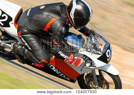 2016 Shannons Victorian Historic Road Racing Championships - Practice