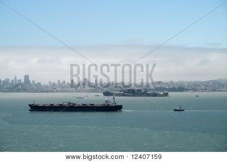 Oil Tanker Sails Into San Francisco Bay