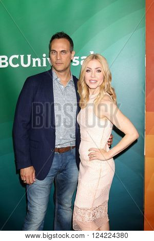 LOS ANGELES - APR 1:  Todd Stashwick, Amanda Schull at the NBC Universal Summer Press Day 2016 at the Four Seasons Hotel on April 1, 2016 in Westlake Village, CA