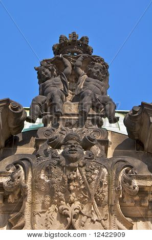 Angels with crown, Zwinger Palace