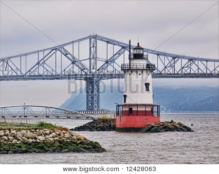 Tarrytown lighthouse and Tappan Zee Bridge on the Hudson River in New York,