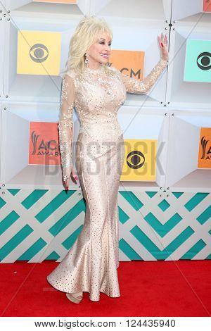 LAS VEGAS - APR 3:  Dolly Parton at the 51st Academy of Country Music Awards Arrivals at the Four Seasons Hotel on April 3, 2016 in Las Vegas, NV