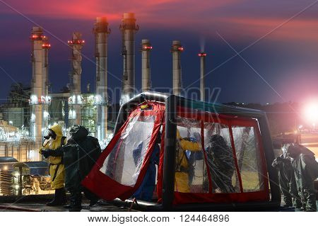 Decontamination  for emergency response Oil, refinery  plant.