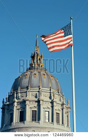 San Francisco city hall with national flag as the famous historical landmarks.