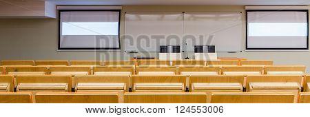 New Technology In Modern Classroom