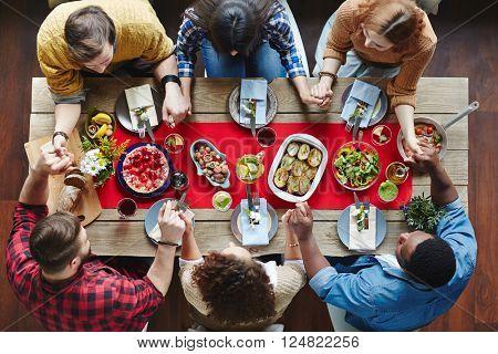 Pray before dinner