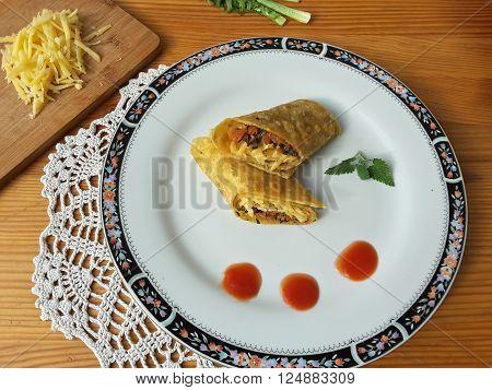 Dandelion cheese tomato rolls, vegetarian healthy diet