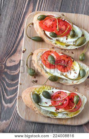 Ciabatta With Mozzarella, Tomatoes And Capers
