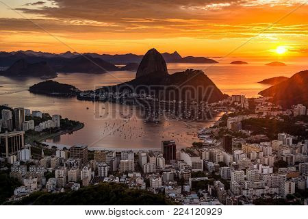 Beautiful Warm Sunrise in Rio de Janeiro With the Sugarloaf Mountain Silhouette