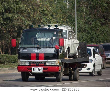 Na Jaruen Tow Truck For Emergency Car Move