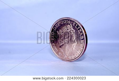 British united kingdom penny standing coin with queen elizabeth side