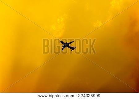 Panssenger Aircraft  Take Off  Shot