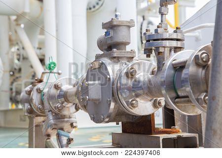 Gear pump type to transfer fuel from storage tank to helicopter fuel tank at oil and gas platform.