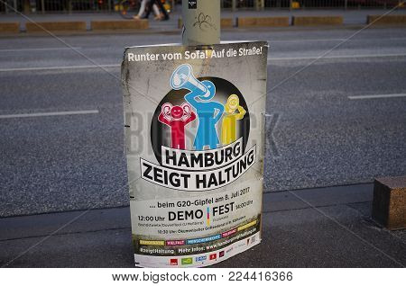 Poster to demonstrate at the G20 summit in Hamburg with the inscription in German