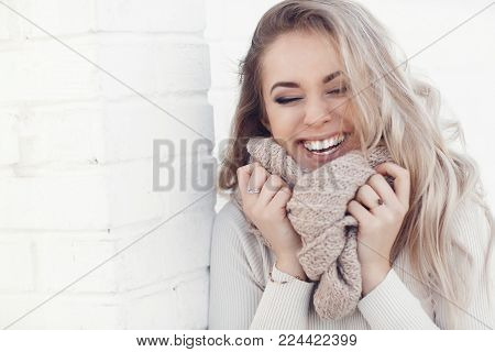 People Emotions Natural Beauty And Lifestyle Concept,natural Beauty And Lifestyle Concept-young Beau