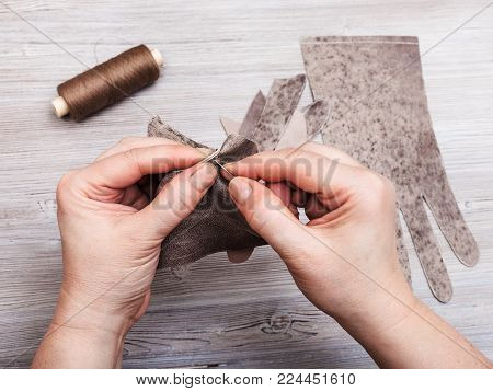 workshop on sewing gloves - glover stitches the genuine leather gloves