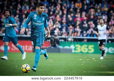 VALENCIA, SPAIN - JANUARY 27: Casemiro during Spanish La Liga match between Valencia CF and Real Madrid at Mestalla Stadium on January 27, 2018 in Valencia, Spain