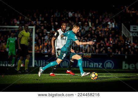 VALENCIA, SPAIN - JANUARY 27: Kroos with ball during Spanish La Liga match between Valencia CF and Real Madrid at Mestalla Stadium on January 27, 2018 in Valencia, Spain
