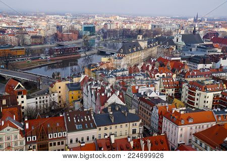 Panorama of Polish city Wroclaw, view of the center and the Odra river