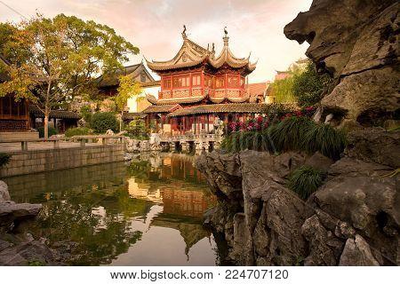 Pagoda at public gardens of Yuyuan Garden (Yu Garden), Old Town, Shanghai, China, Asia