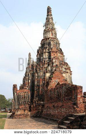 Wat Chaiwatthanaram (known as little Angkor Wat)